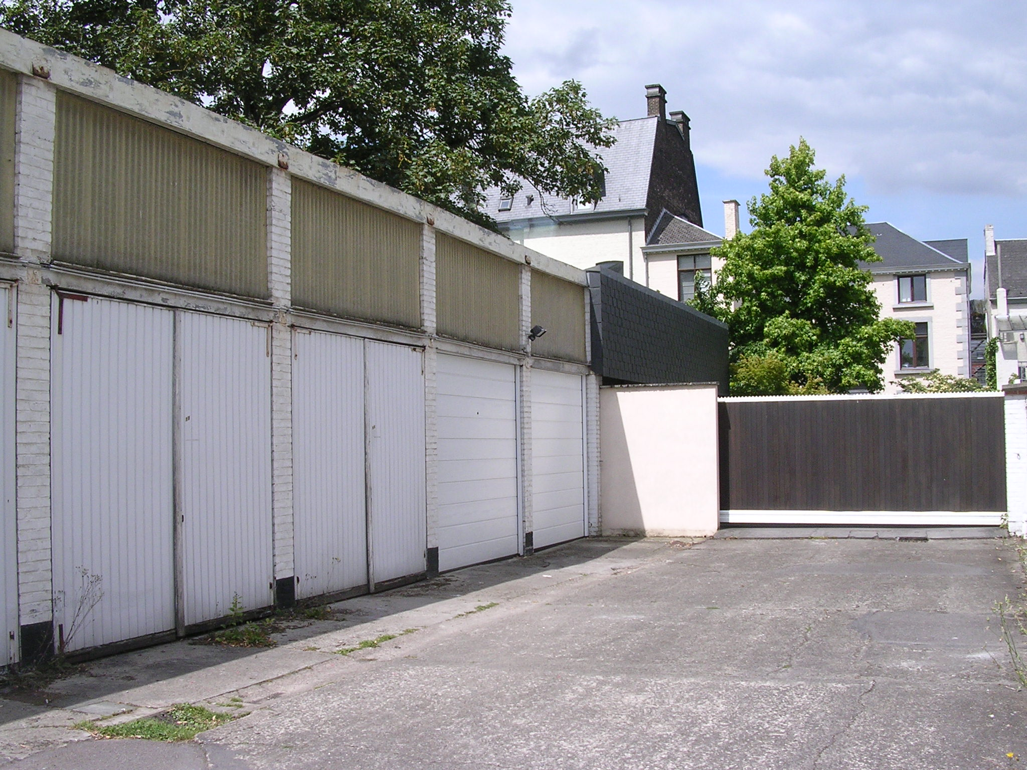 Garage louer jambes immo citadelle for Garage a louer nevers