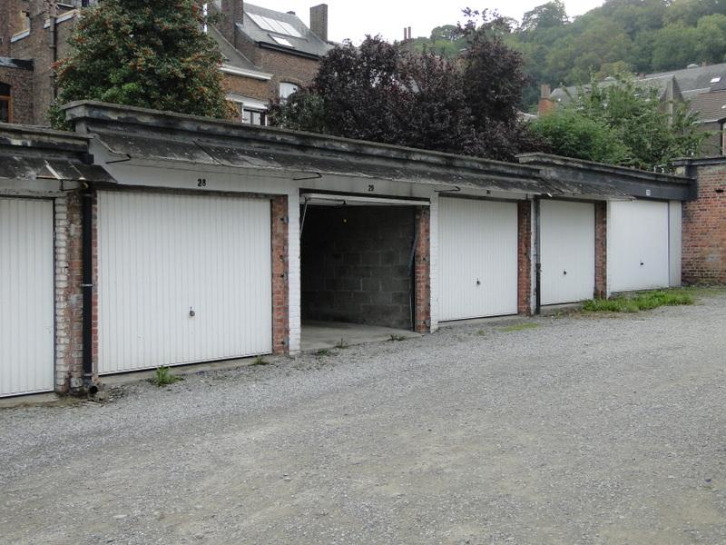 Garage louer namur immo citadelle for A louer garage