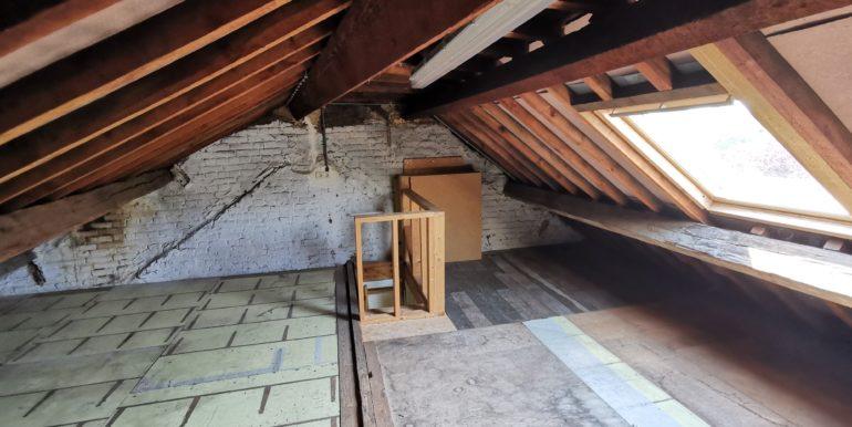 Appartement à louer au 2ème étage à Jambes